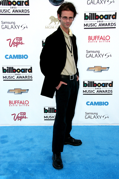 "Stylin' it up on Billboard's ""red"" carpet."