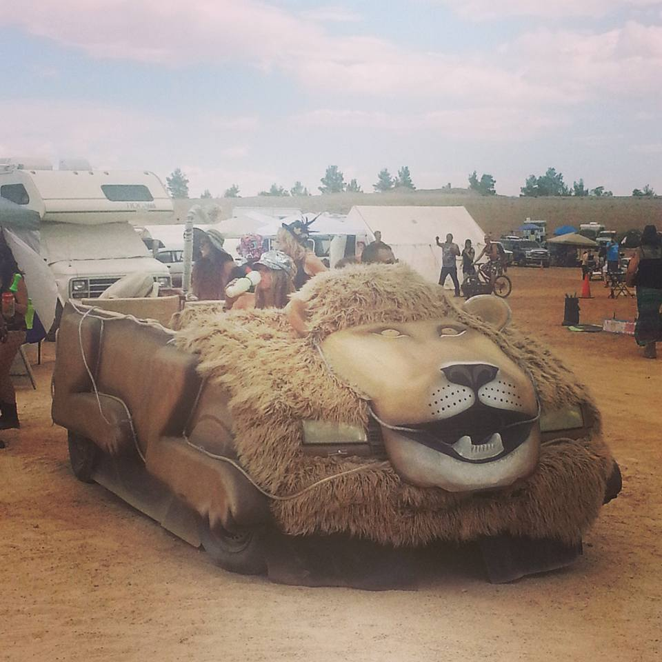 Nants ingonyama bagithi Baba! The Lion Car.